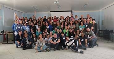 Voluntários do CVV participam de encontro no Centro de Formação